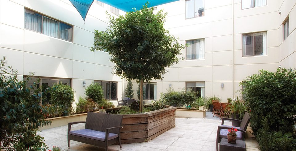 Arcare_Aged_Care_Wantirna_South_Knox_Courtyard