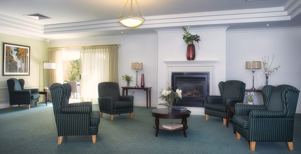Arcare_Aged_Care_Sydenham_Overton_Lea_Lounge_Room-960x490