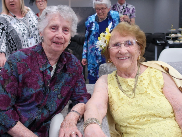 Arcare Aged Care Templestowe Oaks Day 2019 4